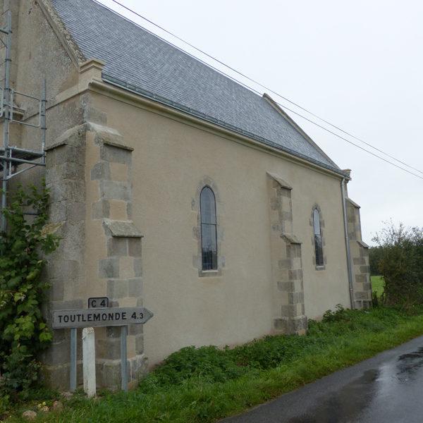 taille-de-pierre-chapelle-maulevrier-corniche-enduit-2